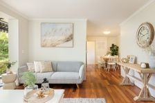 Urban Chic, 70's Sophistication with Tranquil setting