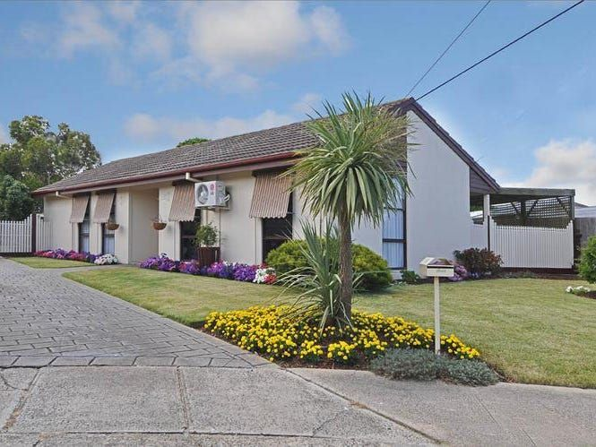 PERFECT FAMILY HOME IN SUNSHINE WEST