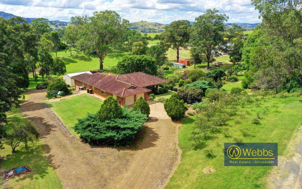 FAMILY HOME ON 2 ACRES