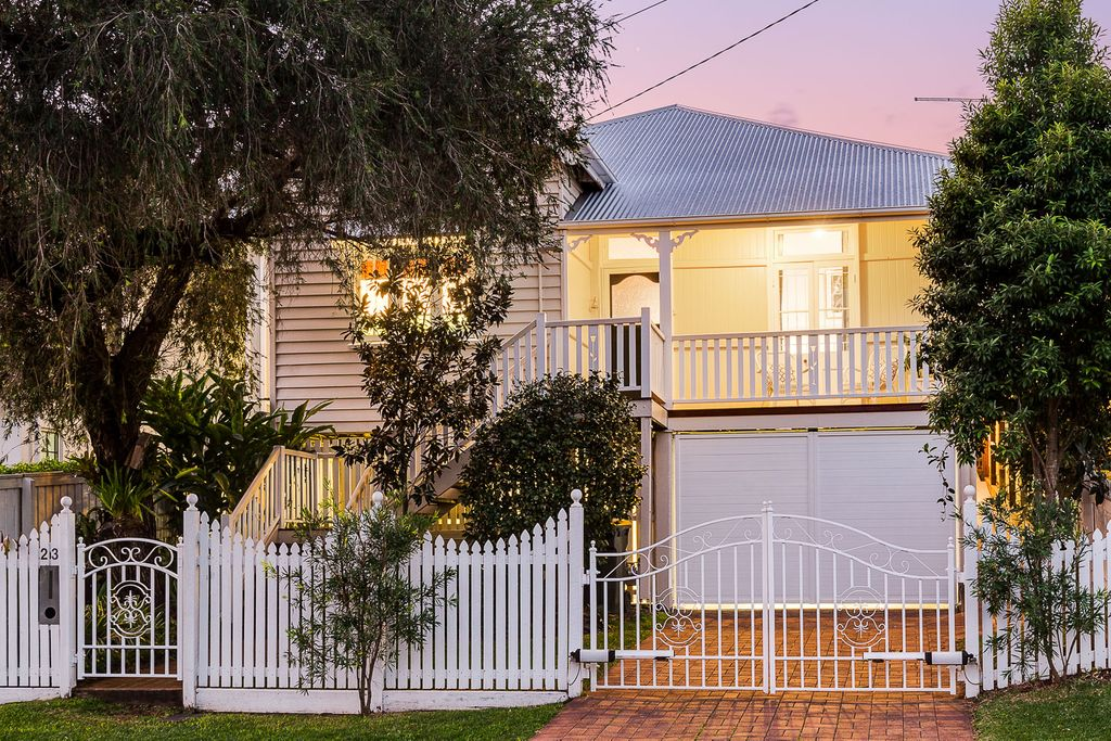FAMILY HOME – Charming, Convenient and Immaculate