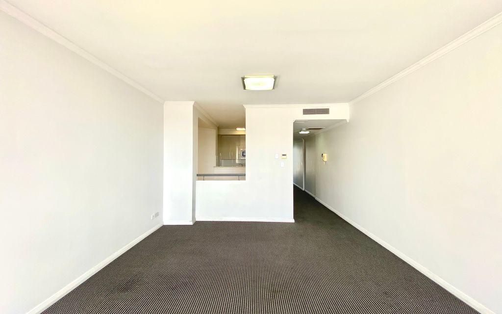 (Deposit Taken) Luxury 2 Bedroom + Study Apartment!