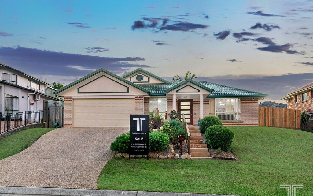 Recently Renovated Home in a Quiet Cul-de-sac Within the Mansfield High Catchment
