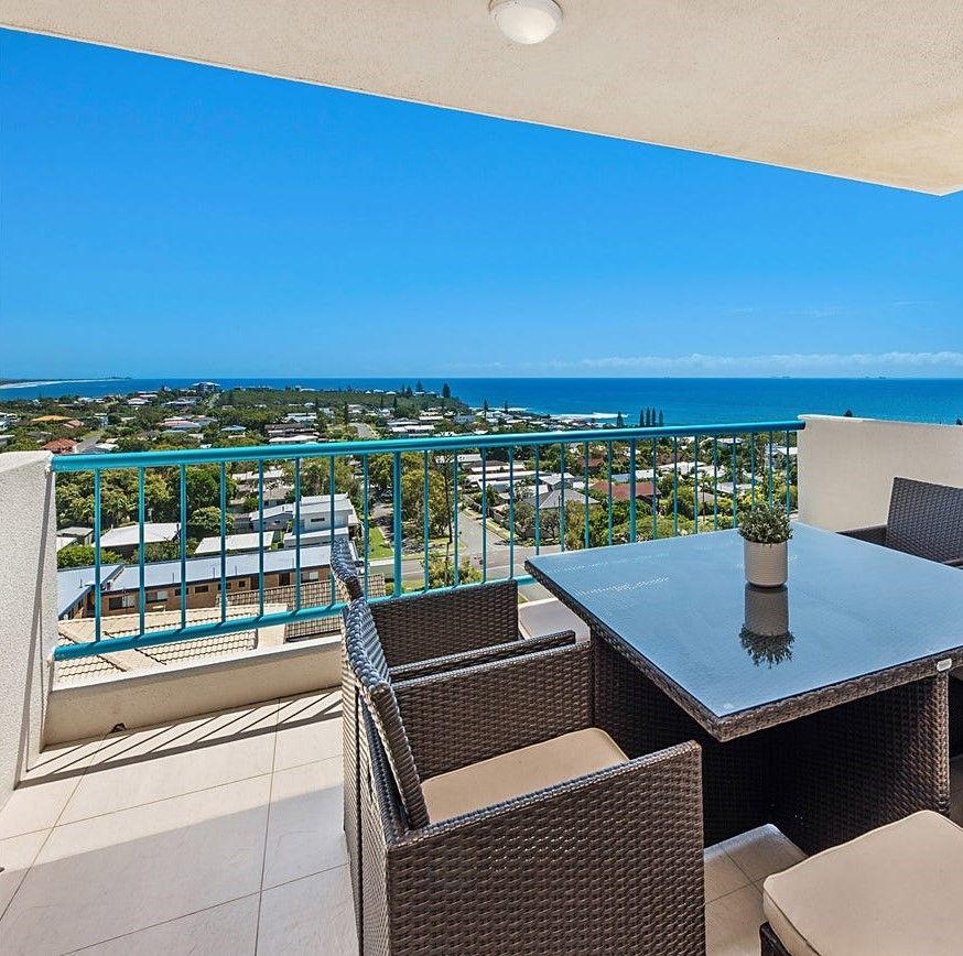 Penthouse Living – Spectacular Ocean Views