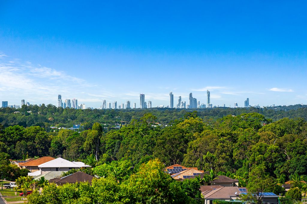 RESORT OUTDOOR WITH SURFER'S PARADISE SKYLINE!