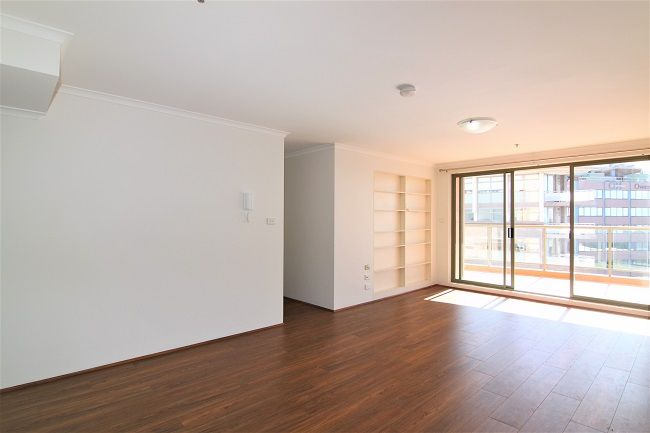 Renovated 3 bedroom, new paint and floorboard