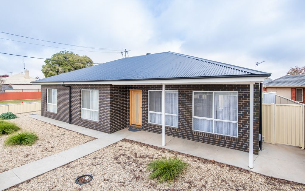 Immaculately Presented 3 Year Old Home!