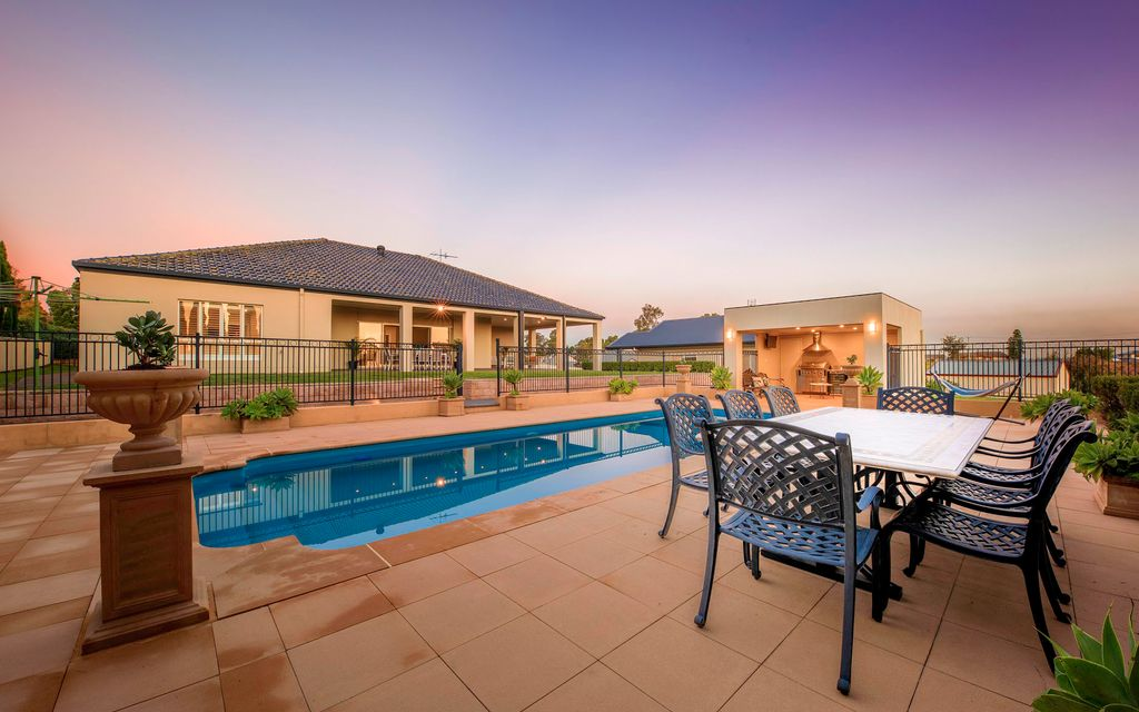 Resort style living with granny flat on rare 2294sqm
