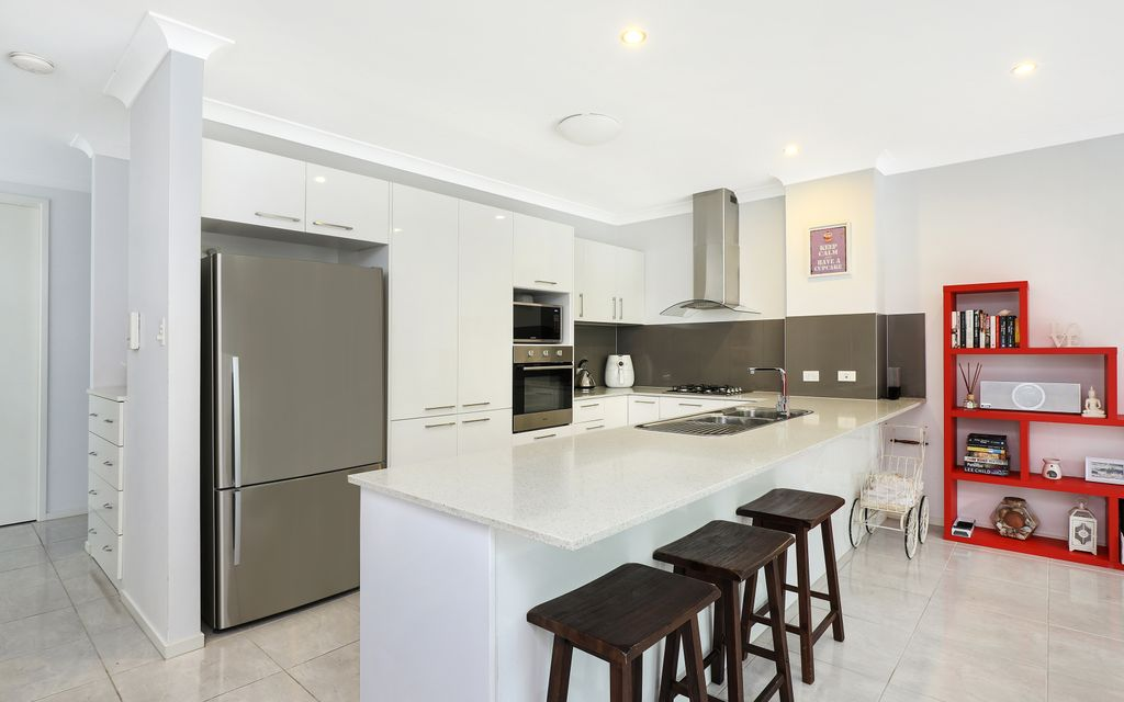 Modern, spacious townhouse with double garage in the Sunshine Coast education precinct!