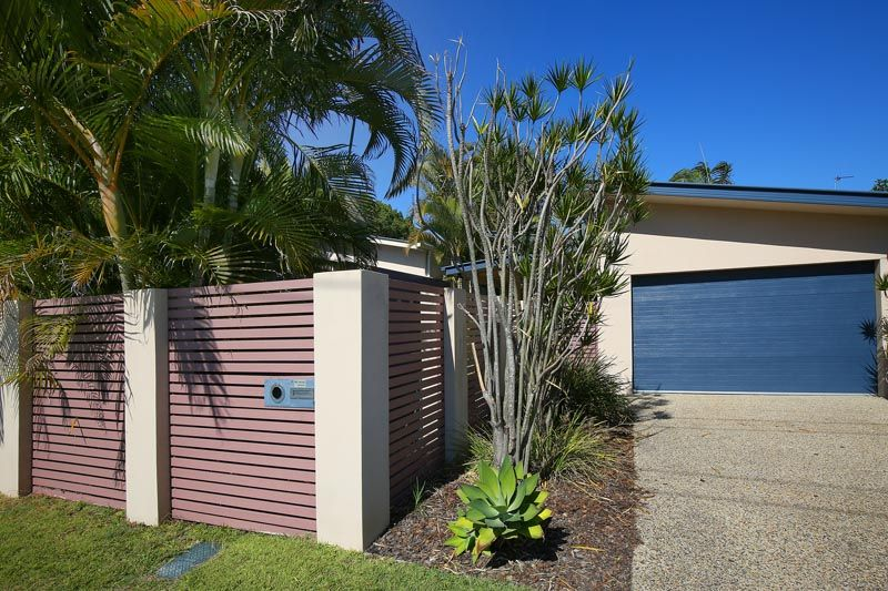 Fully Furnished Home Moffat Beach