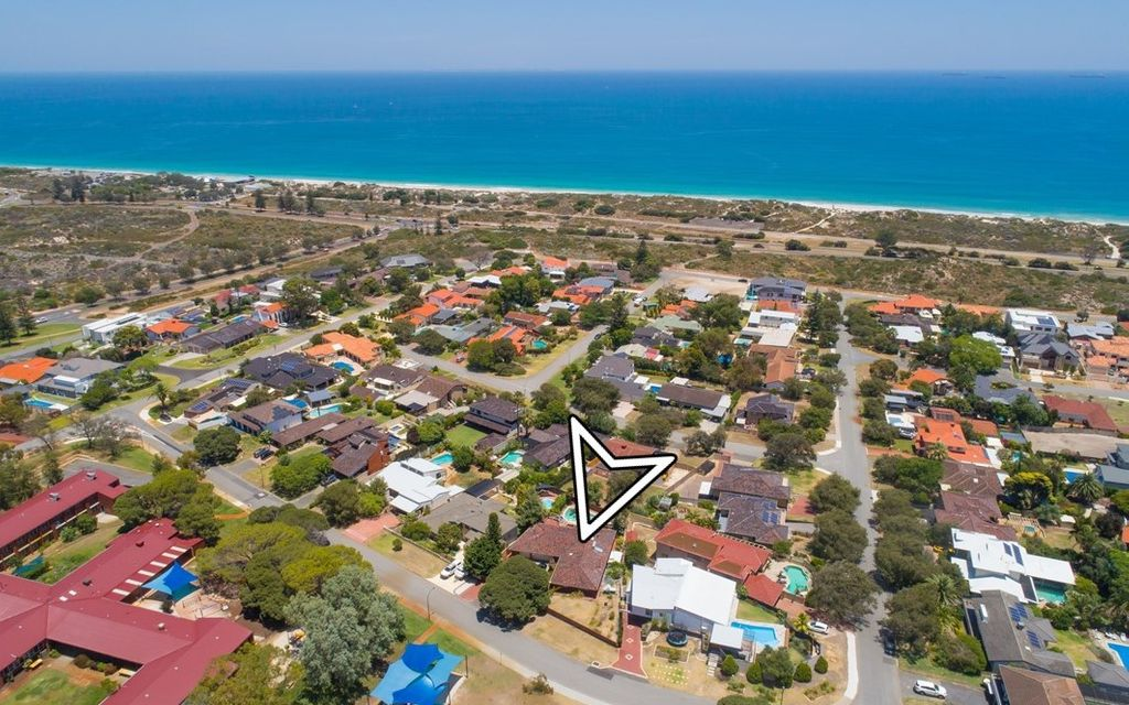 1,029 sqm. Between the Ocean and the Park!