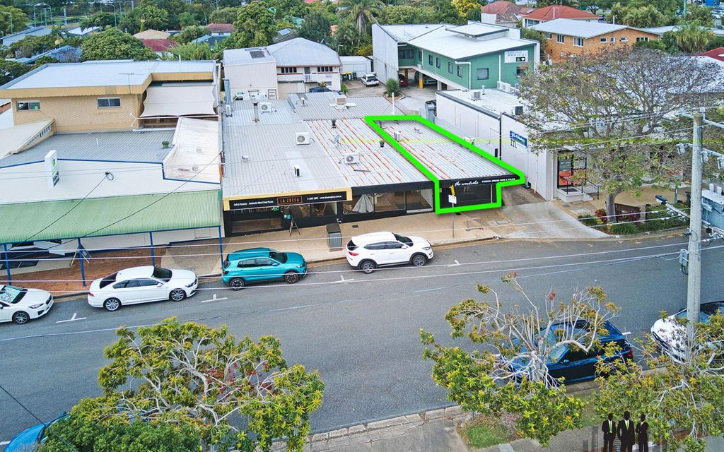 Retail/Office Site Available In Presentable Complex