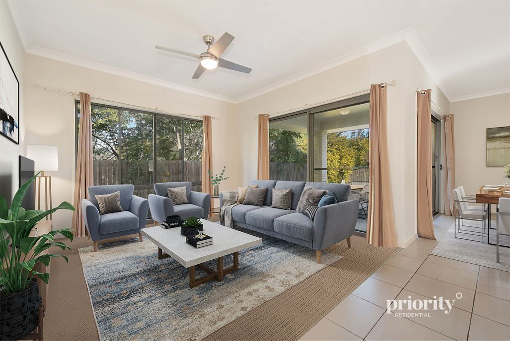Practical and well-priced lowset brick in a great location!