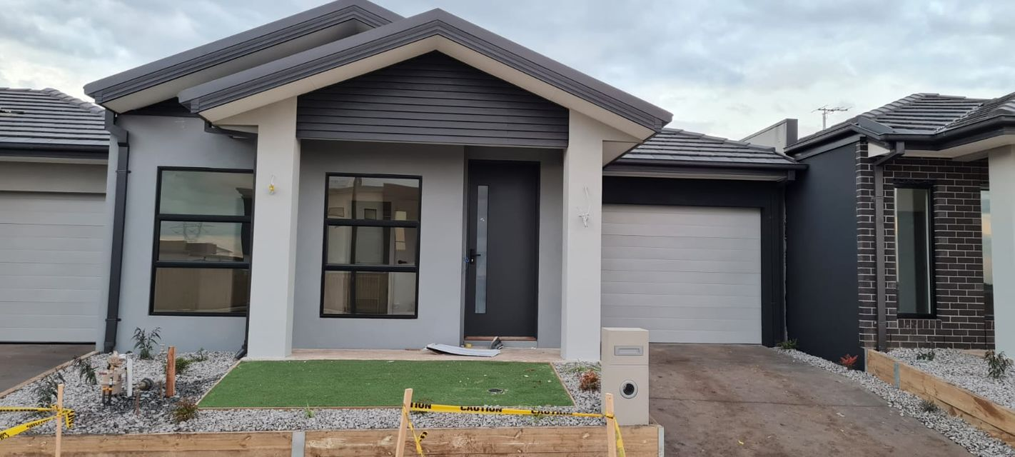 Affordable Luxury Brand New Home – Attwell !!