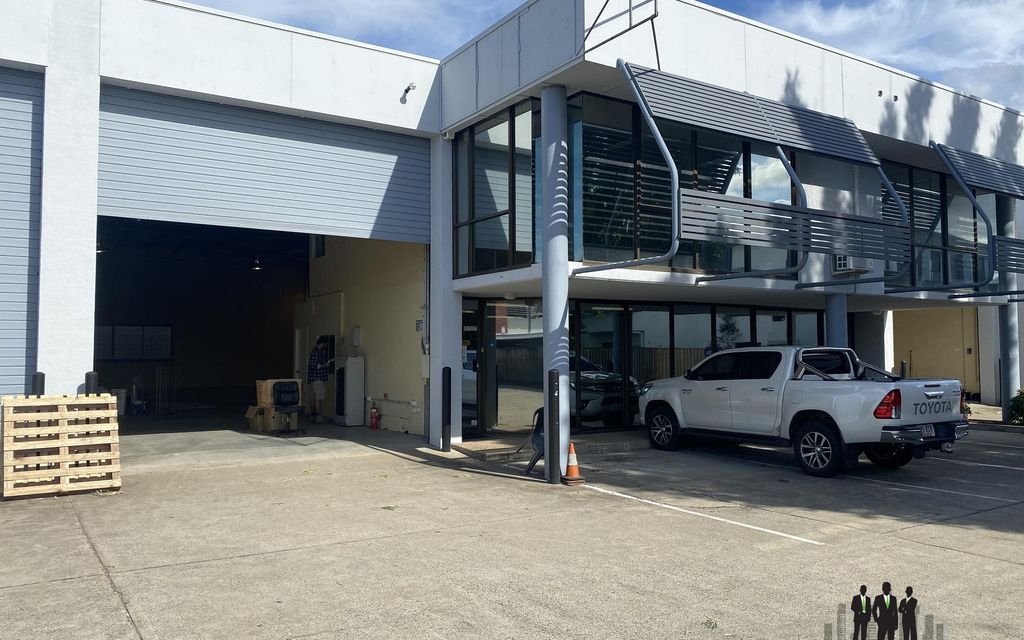 Functional Warehouse/Office In Prominent Location