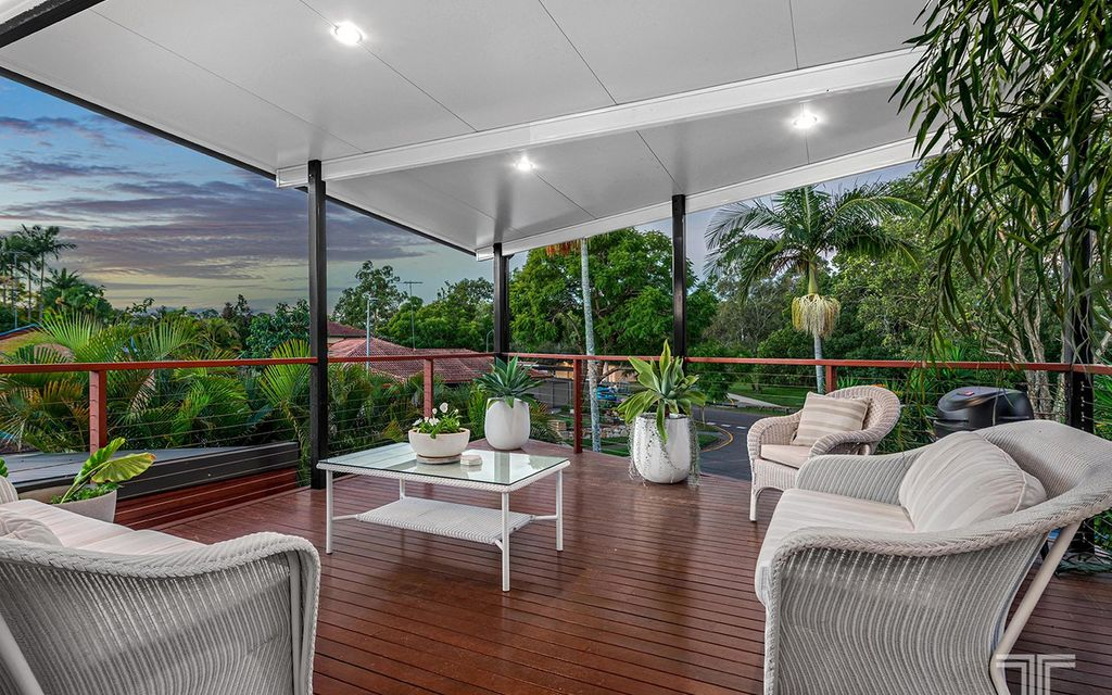 Peaceful Parkside Living and an Entertainer's Dream