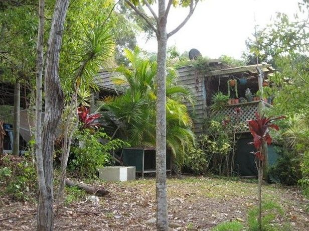 Simplistic Living in Tallebudgera Valley