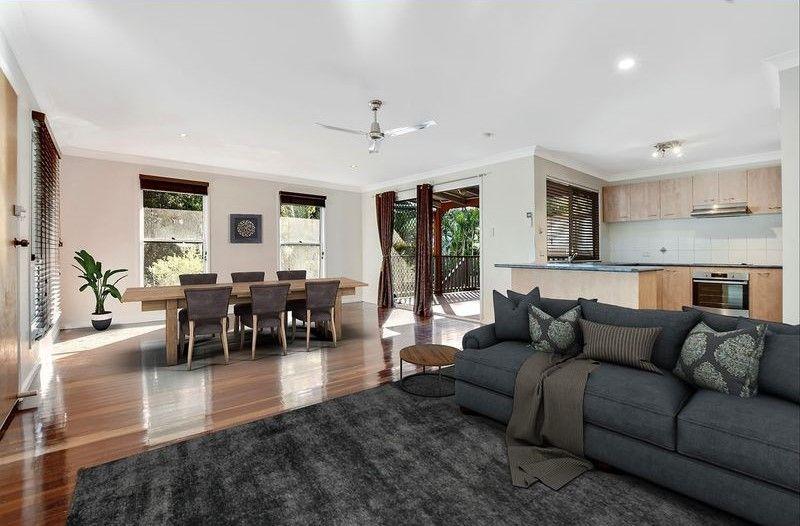 Privately positioned modern Queenslander