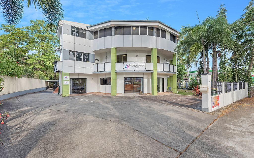 COMMERCIAL WITH RESIDENTIAL PREMISES IN PRIME PORT DOUGLAS LOCATION