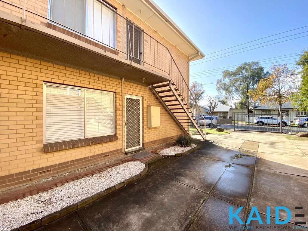 AFFORDABLE TWO BEDROOM HOME IN OUTSTANDING LOCATION