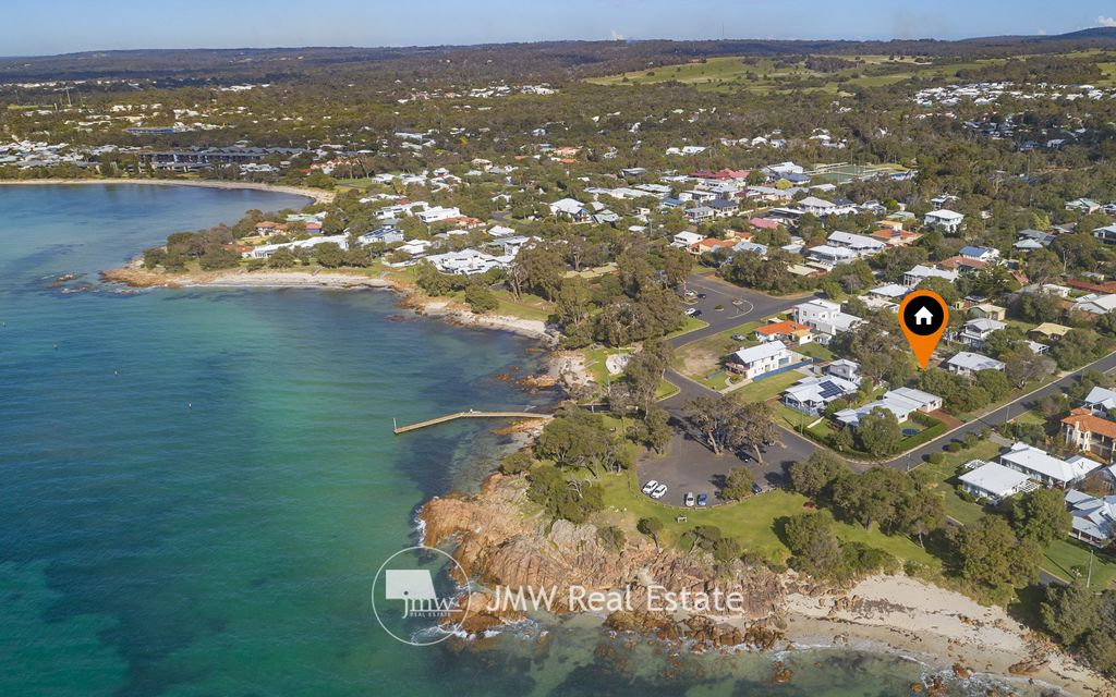 RARE EARTH IN THE SAFE HAVEN OF OLD DUNSBOROUGH !
