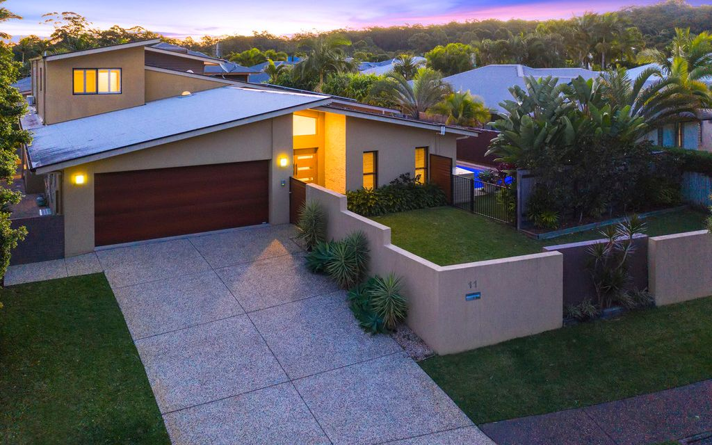 Stunning Executive Living – Genuine 6 Bedroom Residence