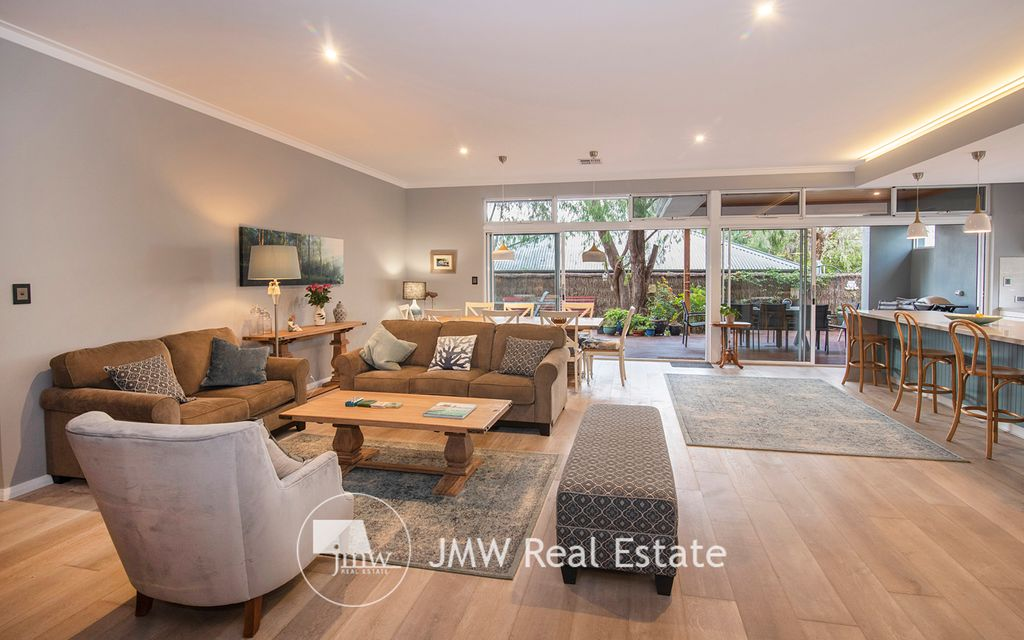 NEW TO THE MARKET IN OLD DUNSBOROUGH