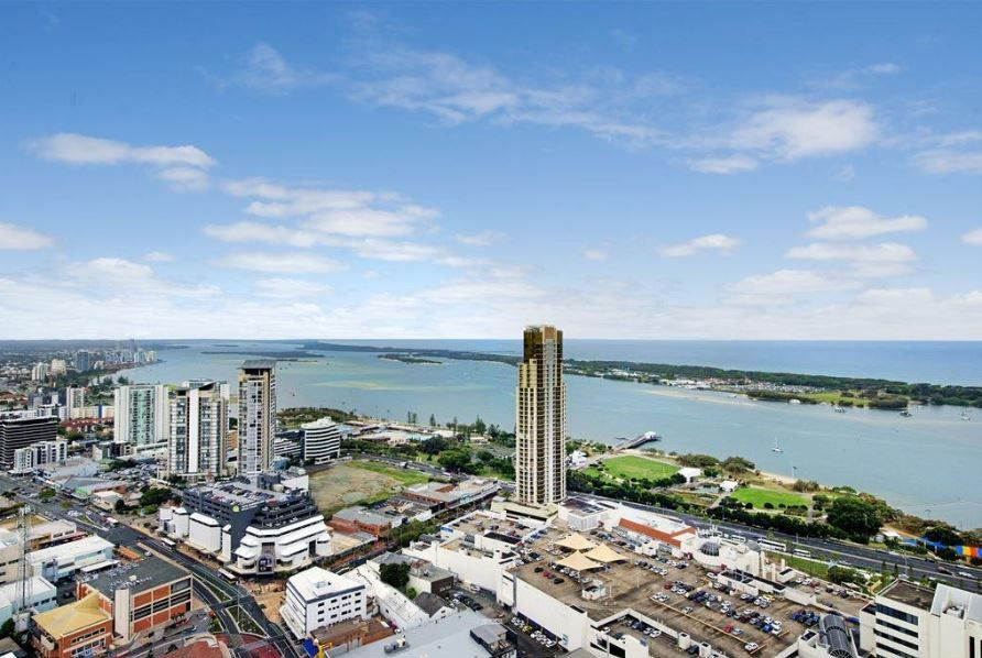 EXCEPTIONAL 2 BED APARTMENT WITH GREAT OCEAN VIEWS