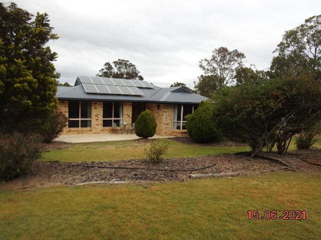 Modern Family Home on Acreage just minutes to Nanango CBD