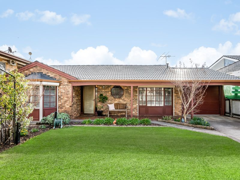 Gorgeous Downsizer with North facing living spaces