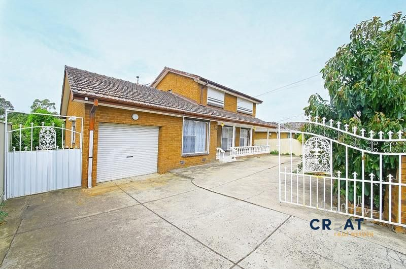 BEAUTIFUL FAMILY HOME IN GREAT SUNSHINE WEST LOCATION