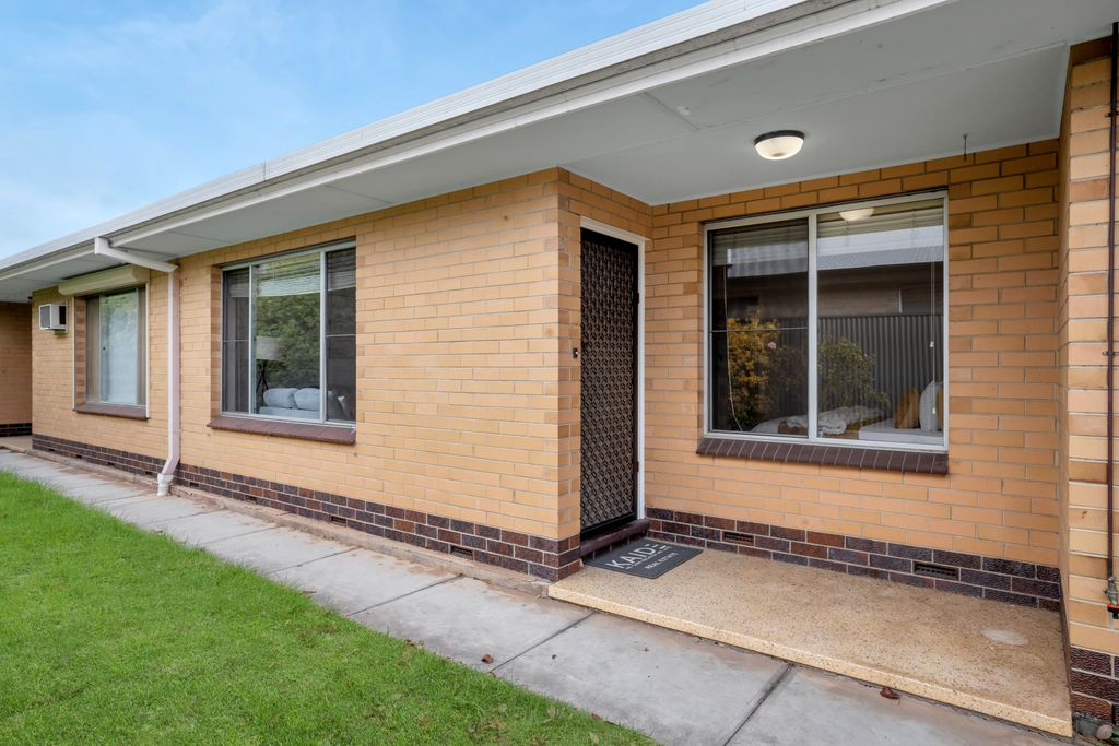 Renovated and Freshly Painted Unit in Great Location!