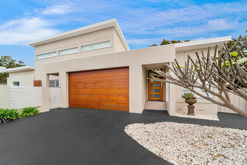 Light-Filled Oasis, Offering a Sought-After Lifestyle