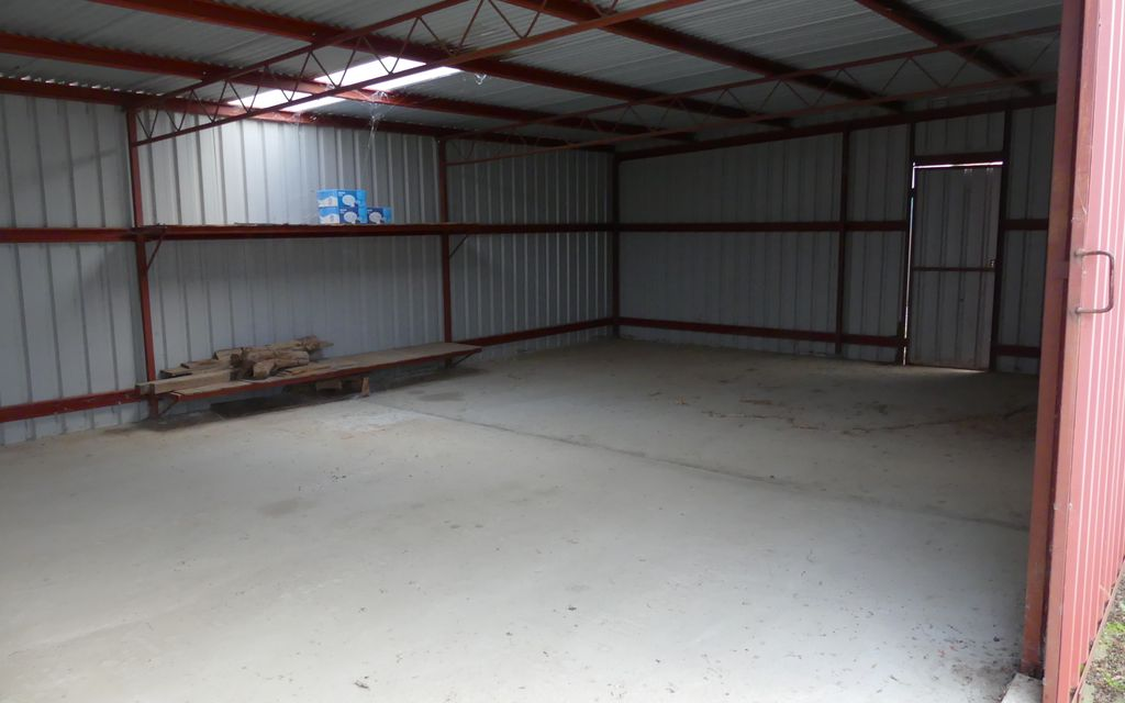 Shed for Lease!