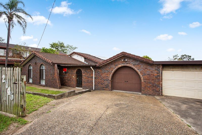 They don't build them like this anymore – double cavity brick house with ample space.