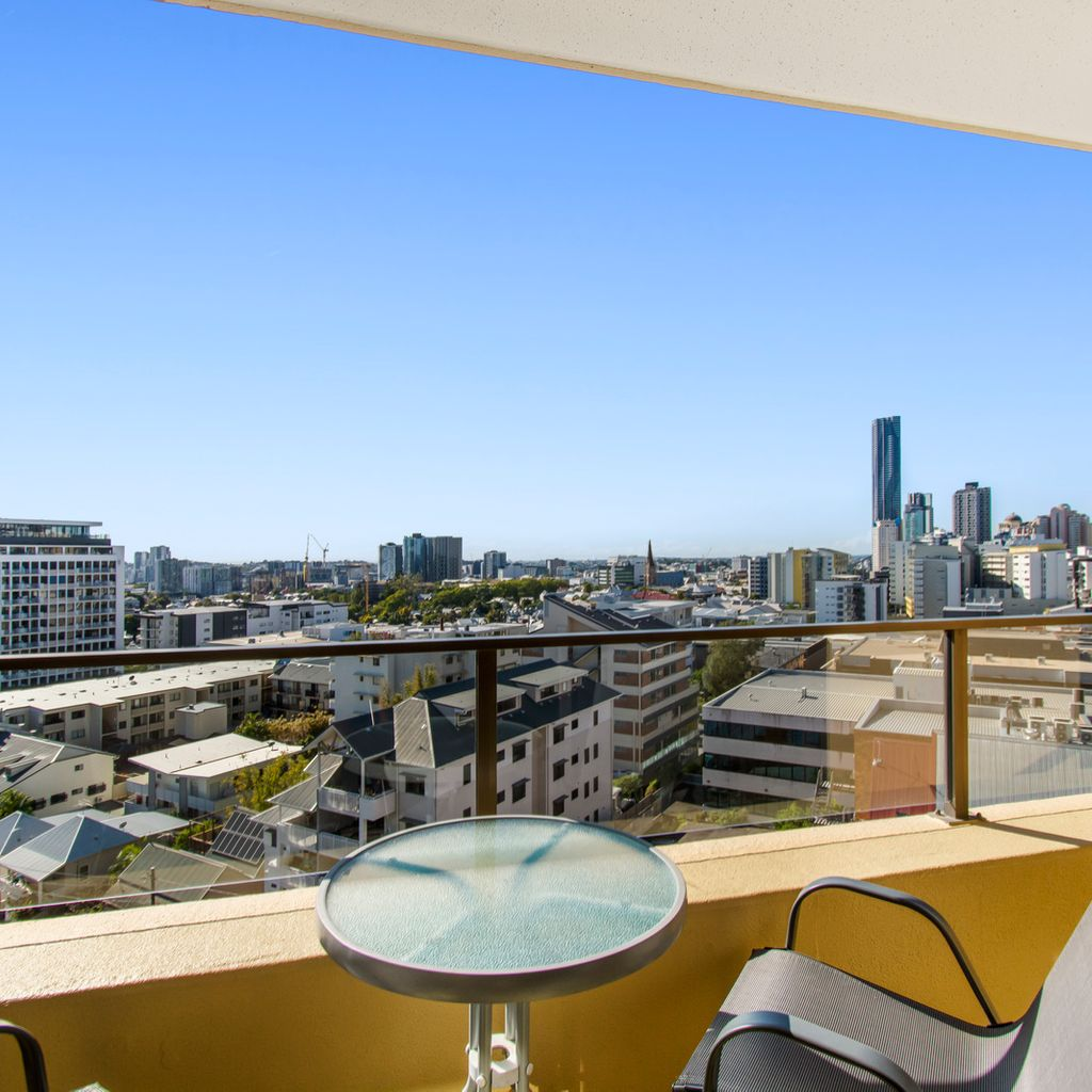Summit Apartments, Spring Hill Fantastic Investment Opportunity – 7th Floor with Amazing Views!
