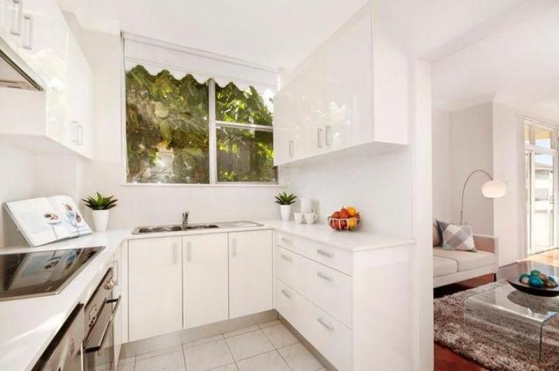 STUNNING 2 BEDROOM APARTMENT IN GREAT LOCATION