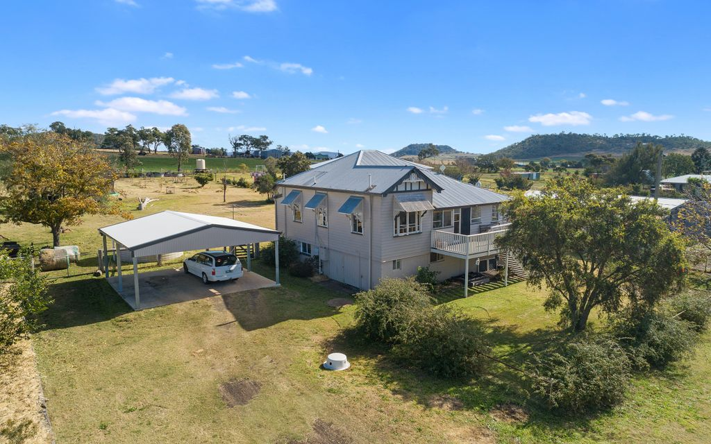 Country 1930's Charmer on One Acre