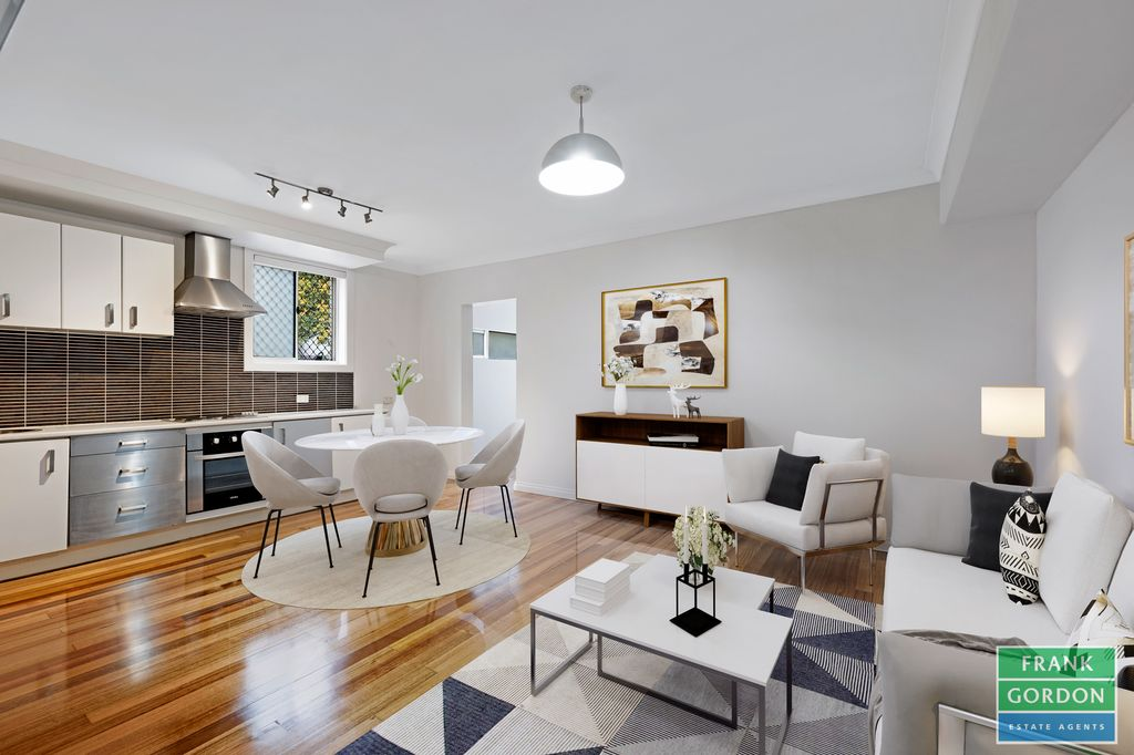 Renovated 1 bed plus study in the heart of St Kilda