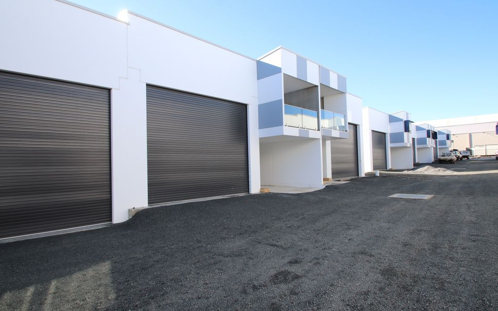 Brand New Concrete Panel Warehouse with Large Office in Premium grade Business Park
