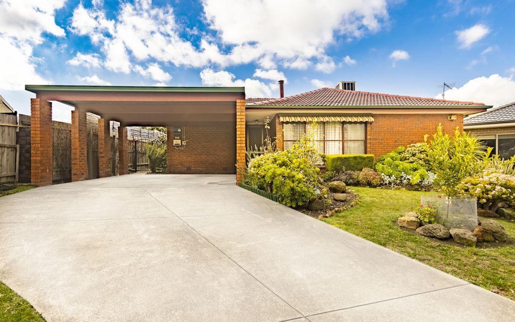 Immaculate, Sweet, Petite! The Perfect First Home or Investment