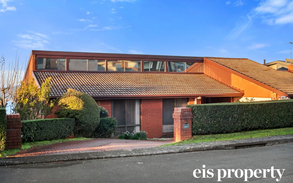 Mount Nelson – Relaxed Family Living with Water Views