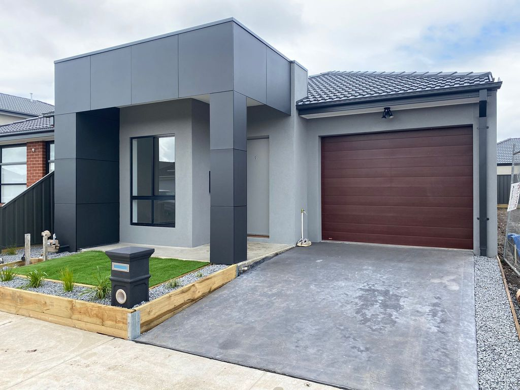 Affordable Luxury Living Option – Grove Estate !