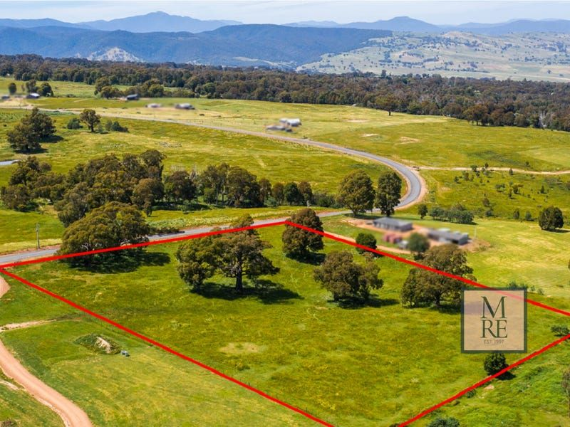 WHAT A VIEW – 5.9 ACRES (2.4HA)