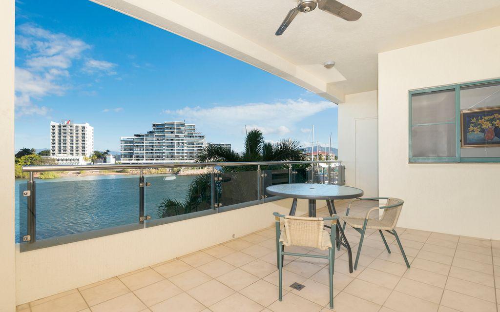 Unbeatable Location – Stylish Fully Furnished Apartment