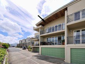 Mokoia Ridge apartments with d
