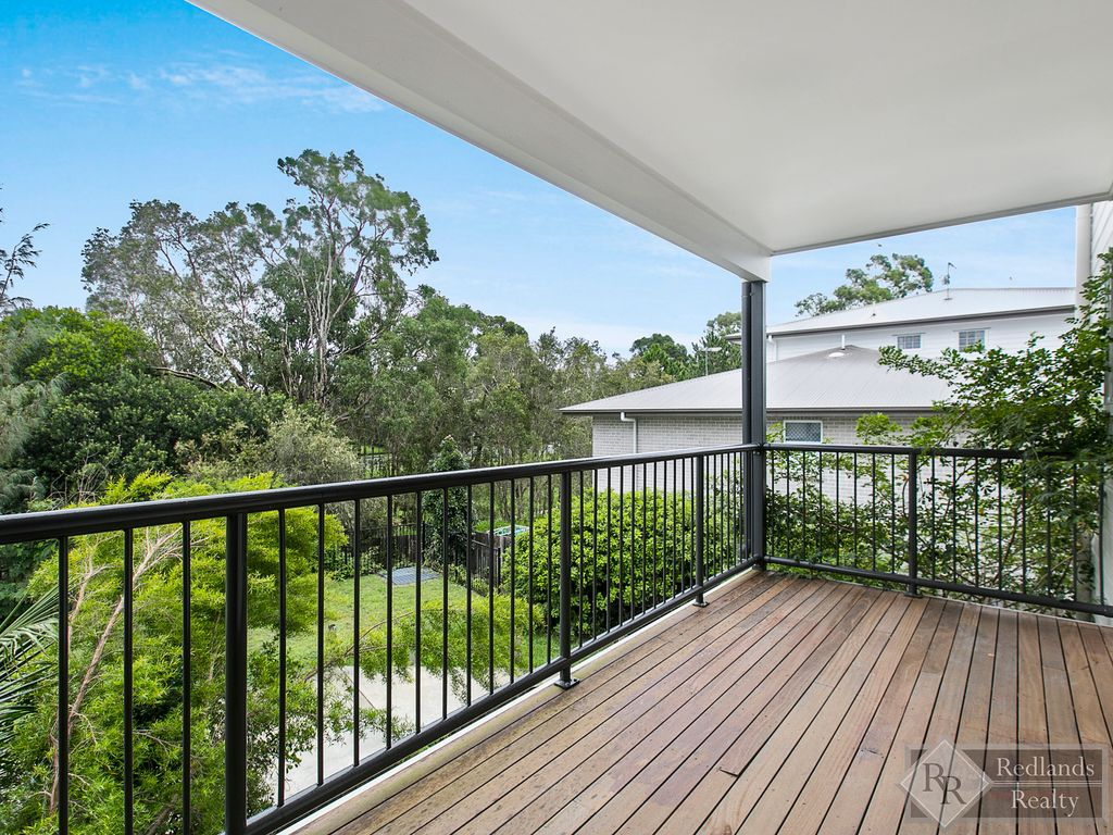 SUPER STYLISH TOWNHOUSE!   Available  30/7/21. Viewing  12pm  Friday  30/7/21  –  TO VIEW email   trish@redlandsrealty.com.au