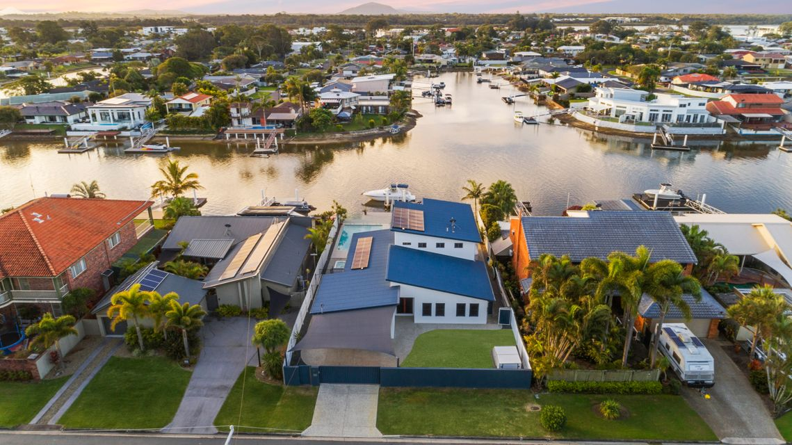 North facing waterfront opportunity with expansive views.