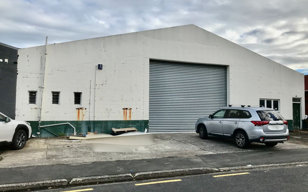 Large Warehouse for lease