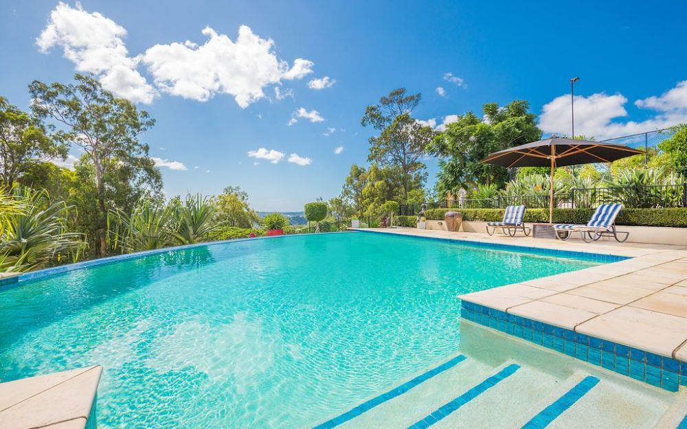 EXCLUSIVE, SPECTACULAR ACREAGE ON TOP OF THE GOLD COAST