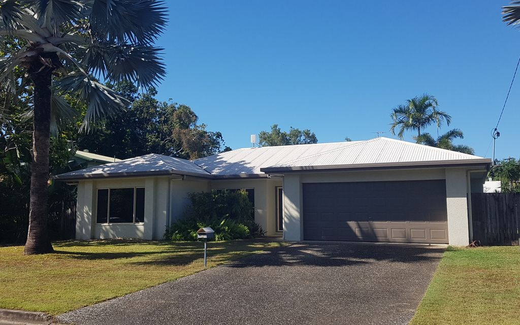 LOVELY 4 BEDROOM HOME WITH BEACH ACCESS